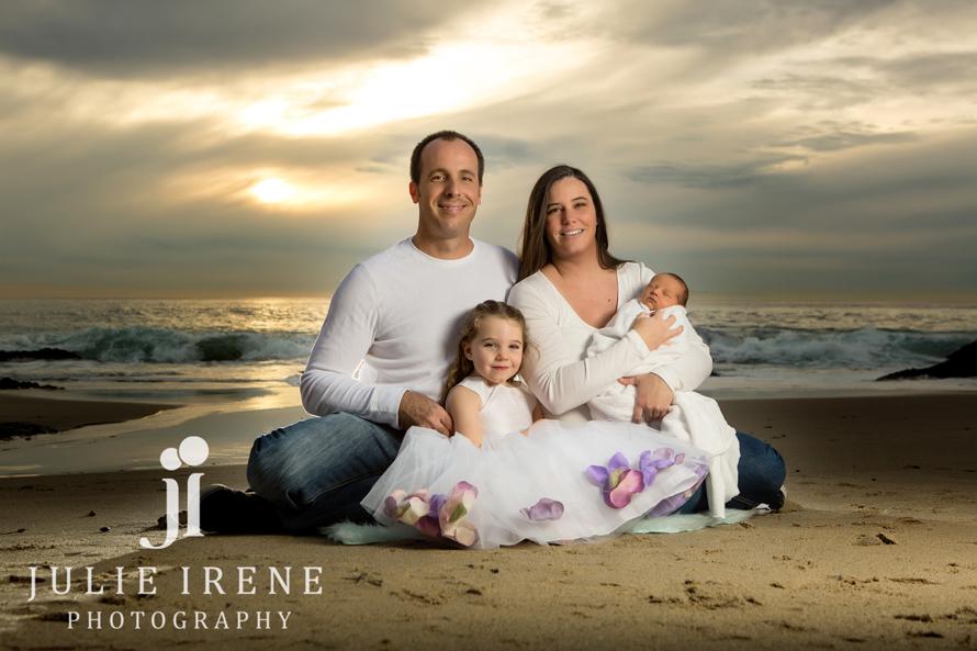Outdoor Laguna Beach Family Newborn Photography