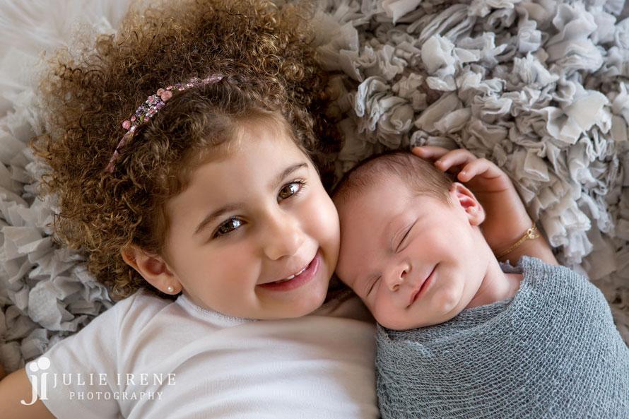 sibling san clemente newborn baby enzo 3